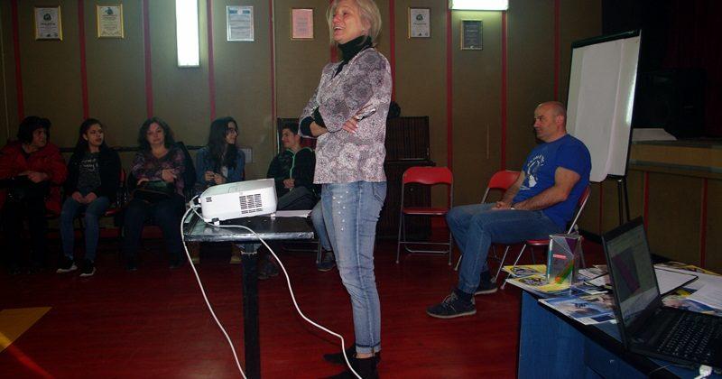 """Обучение на млади доброволци стартира плевенският Клуб """"Връстници обучават връстници"""""""