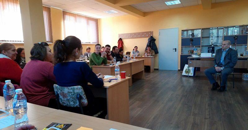 """Предпоставките за рисково поведение на учениците бяха тема на форум в ПГЗ """"Стефан Цанов"""" – Кнежа"""